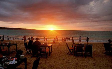 15 Pantai Terbaik dan Terindah di Bali - Pantai Jimbaran