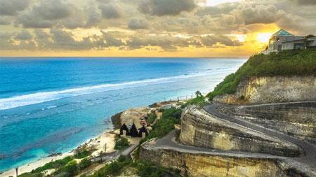 15 Pantai Terbaik dan Terindah di Bali - Pantai Melasti Ungasan