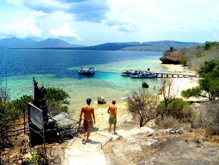 15 Pantai Terbaik dan Terindah di Bali - Pantai Menjangan Bali Barat