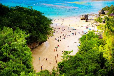15 Pantai Terbaik dan Terindah di Bali - Pantai Padang Padang