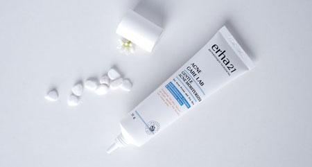 Skincare Terbaik Untuk Menghilangkan Bekas Jerawat