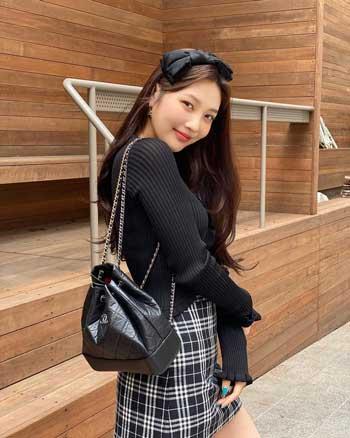 Idol Kpop Dengan Senyum Paling Manis