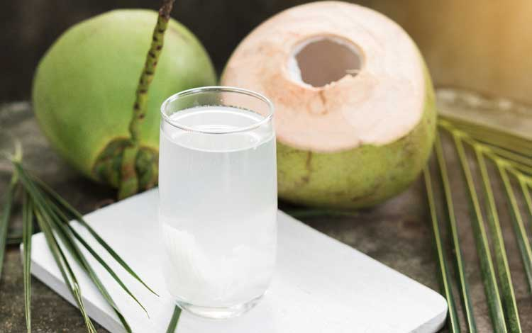 Manfaat Berbuka Dengan Air Kelapa Untuk Kesehatan