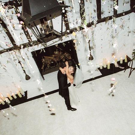 Ariana Grande dan Dalton Gomez Resmi Menjadi Pasangan Suami Istri