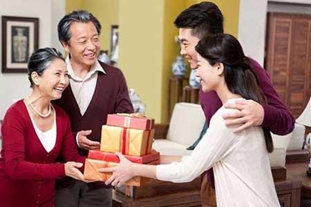 Tips Buat Cewek Untuk Mendekati Dan Mengambil Hati Calon Mertua