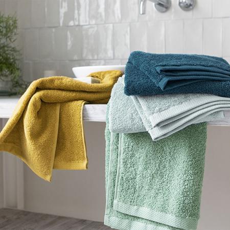 Seberapa Sering Sih Sebaiknya Mencuci Handuk?