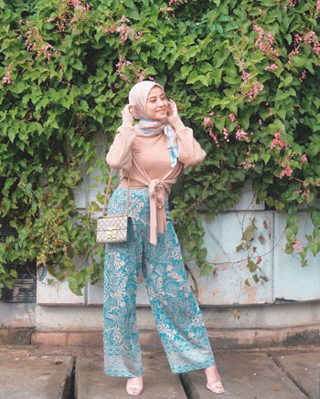 Inspirasi OOTD Hijab Celana Kulot
