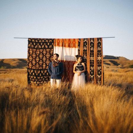 Ide Foto Prewedding Outdoor Casual