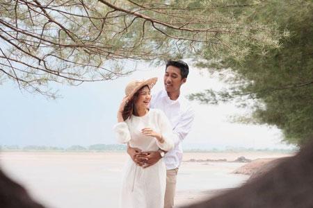 Ide Foto Prewedding Outdoor Romantis