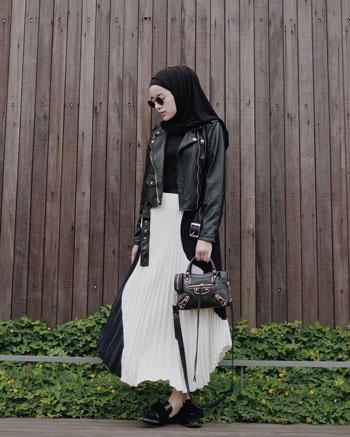 OOTD hijab dengan jaket crop yang stylish
