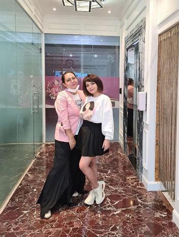 Potret Lain Dinar Candy Yang Jauh Dari Kesan Seronok Dan Terbuka
