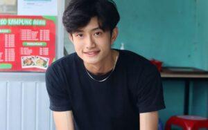 Mahasiswa Penjual Bakso Mirip Artis Korea