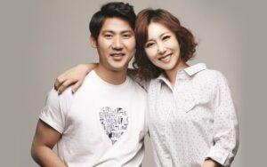 Artis Korea Yang Menikah Dengan Fansnya Sendiri