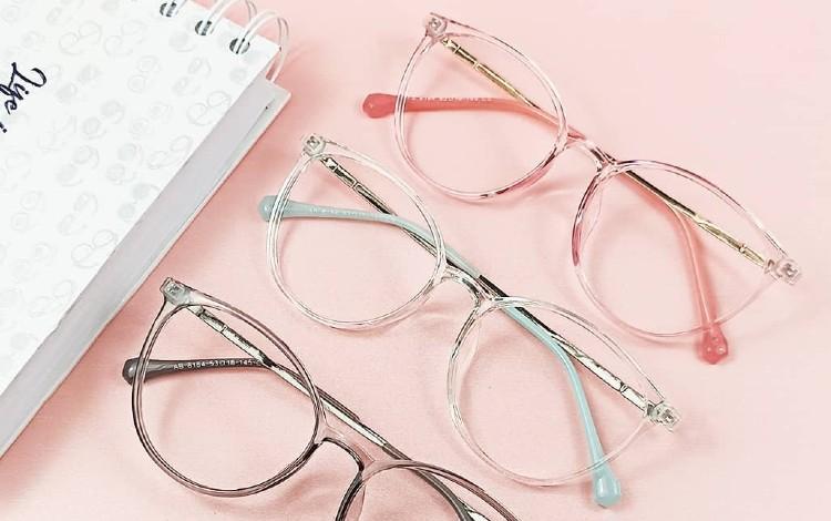 Model Kacamata Terbaru Dan Kekinian (1)